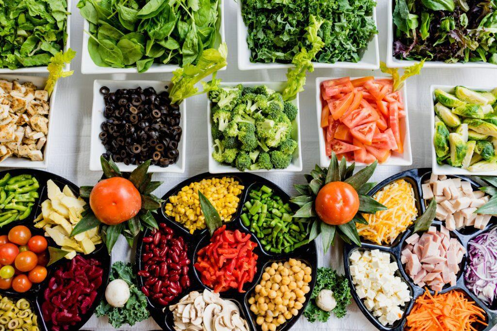 Aquí estos consejos alimentarios sobre el desperdicio y la pérdida de alimentos que esperamos ayuden un poco en estos tiempos difíciles