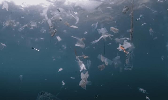 microplásticos y cómo se propagan las partículas por los mares y océanos